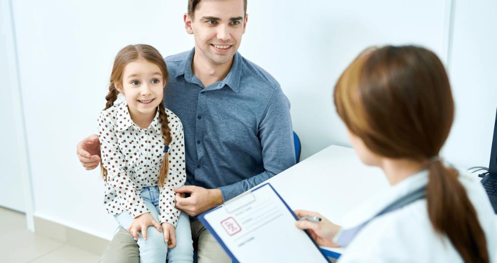 Les 4 clés pour bien préparer la consultation médicale de votre enfant